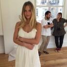 Bar Refaeli enseña su vestido de novia en Instagram
