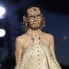 Cuando Givenchy logró volver a interesarnos (solo) por la moda