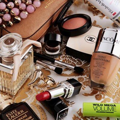 Los básicos de belleza del bolso de las chicas TELVA