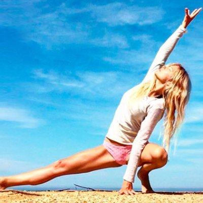 Yoga en casa: Posturas de yoga para fortalecer los brazos