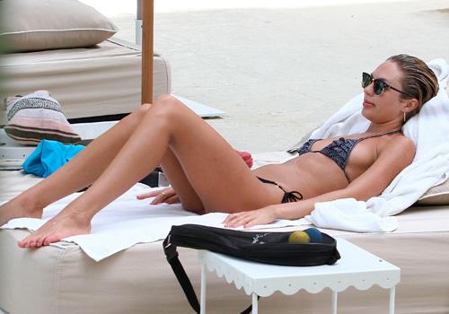 La chica Victoria's Secret, Candice Swanepoel, en la playa foto 14 - TELVA