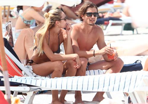 La chica Victoria's Secret, Candice Swanepoel, en la playa foto 15 - TELVA