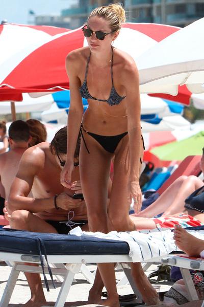 La chica Victoria's Secret, Candice Swanepoel, en la playa foto 17 - TELVA