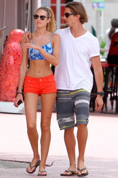 La chica Victoria's Secret, Candice Swanepoel, en la playa foto 29 - TELVA