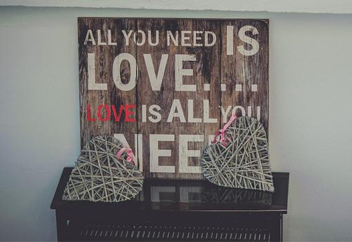 <i>All you need is love</i> - TELVA