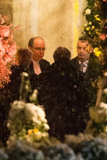 La boda blanca de Andrea Casiraghi y Tatiana Santo Domingo. - Página 2 1351951945_extras_albumes_0
