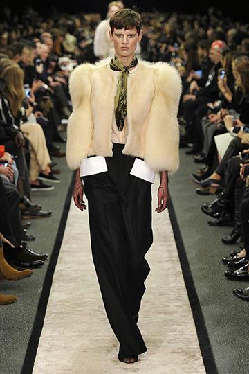 Givenchy Otoño-Invierno 2014/15 foto 15 - TELVA