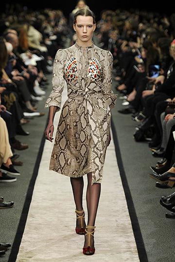 Givenchy Otoño-Invierno 2014/15 foto 09 - TELVA