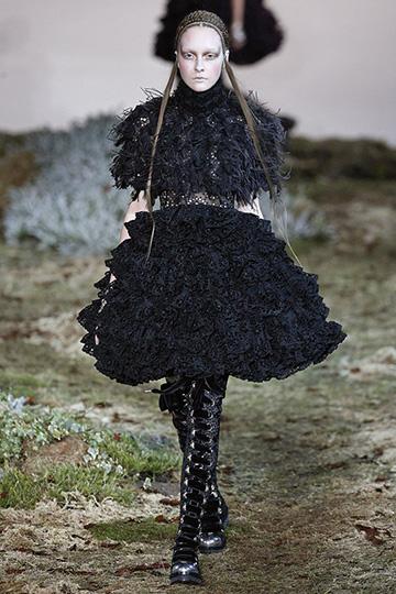 Alexander McQueen Otoño Invierno 2014 2015 foto 27 - TELVA