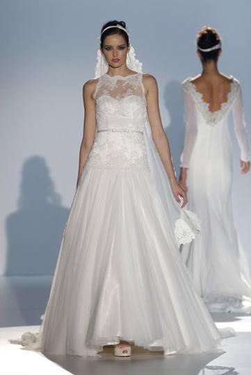 Los vestidos de novia de Franc Sarabia foto 01 - TELVA