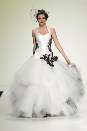 Los vestidos de novia de Jordi Dalmau foto 16 - TELVA
