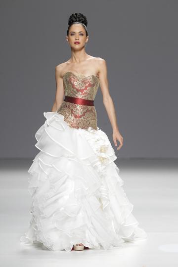 Los vestidos de novia de Jordi Dalmau foto 03 - TELVA