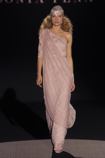 Los vestidos de invitada de Sonia Peña foto 19 - TELVA