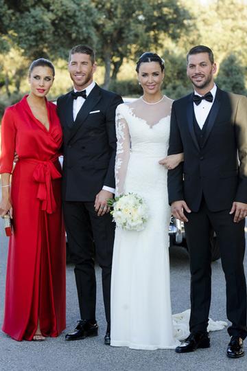 Sergio Ramos y Pilar Rubio en la boda de René Ramos y Vania Millán. - TELVA
