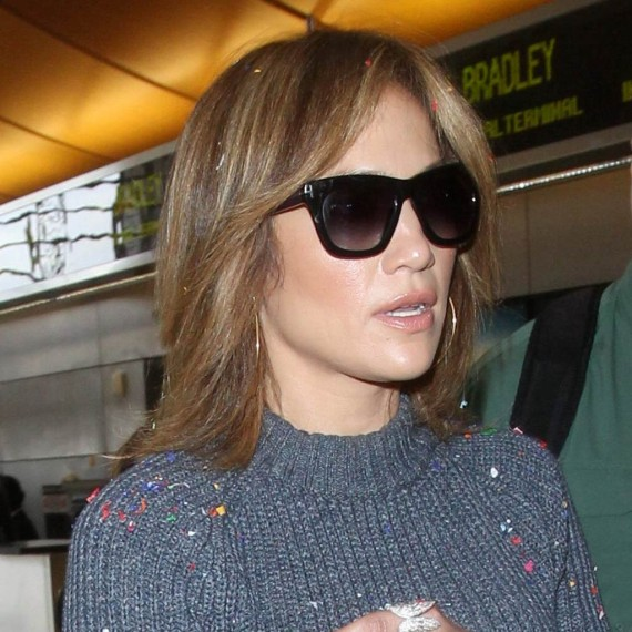 Jennifer Lopez apuesta por el <em>long bob</em>