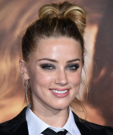 Top knot messy lateral: Amber Heard