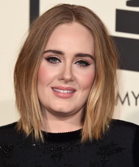 Adele: acierto con su long bob y maquillaje 10