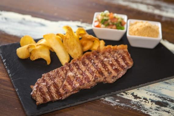 Restaurante brasileño-fusión Tapioca Chill & Cocina