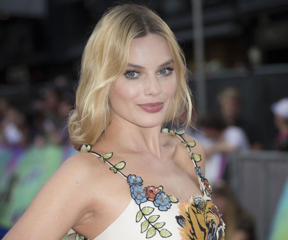 Margot Robbie vs Cara Delevingne: ¡elige tu look beauty!
