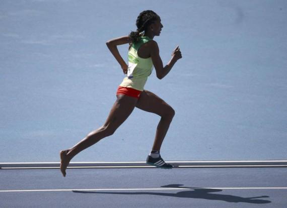 La atleta que corrió descalza en Río 2016