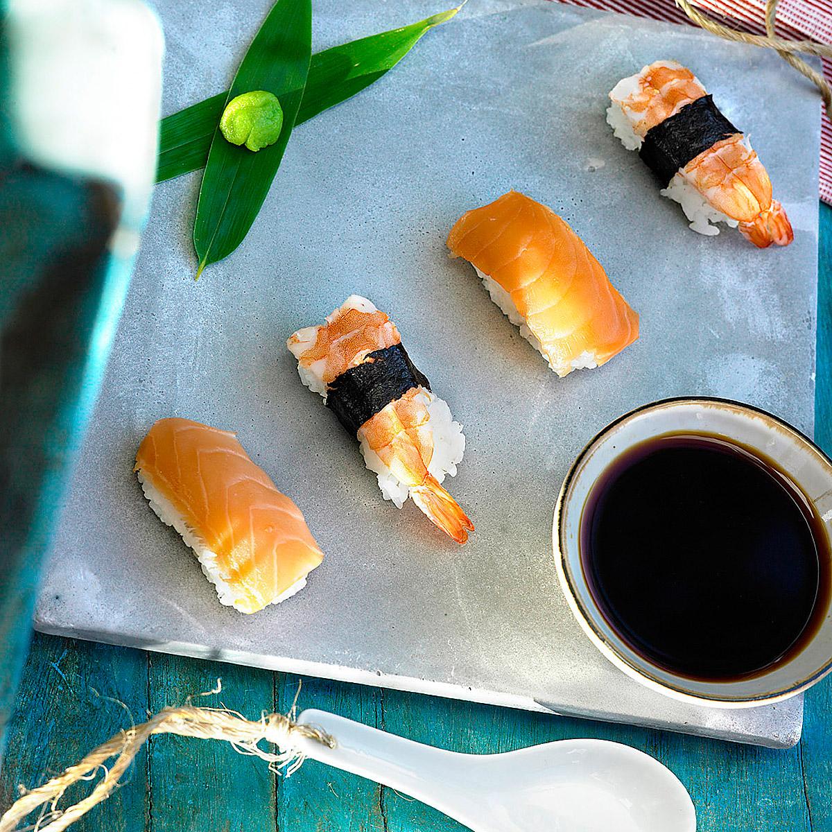 Sushi de salmón y gambas