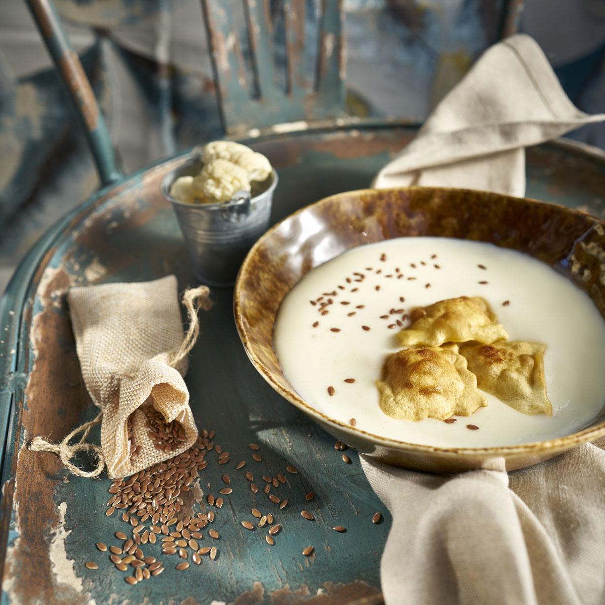 Crema de coliflor con semillas de lino
