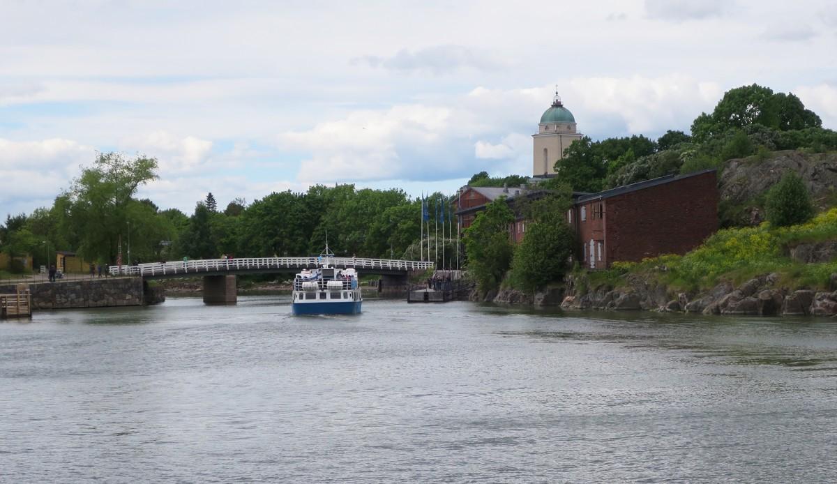 Acércate a Suomelinna: navegar por el Báltico es una experiencia...
