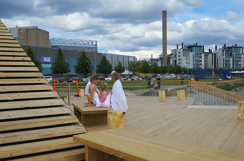 Sauna en finlandés se dice igual, sauna, y la última en abrir es...