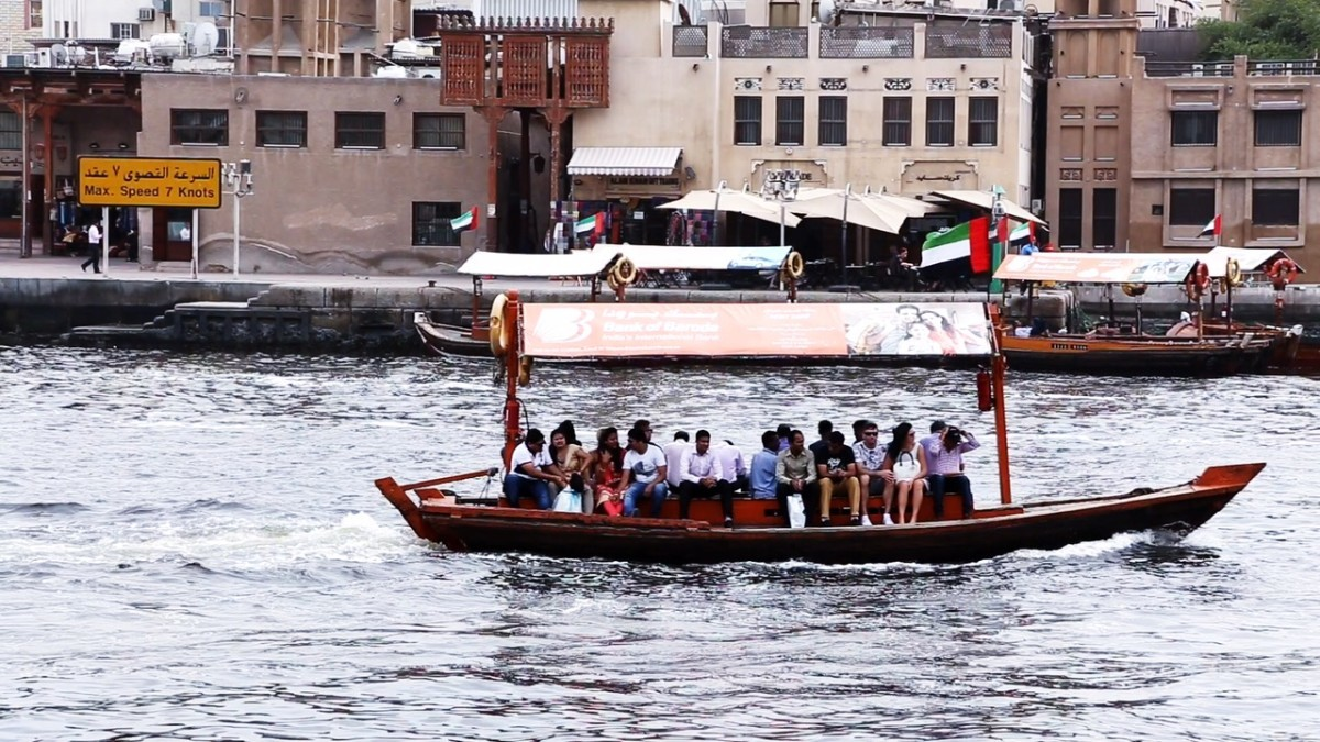 Dubai existen taxis-barcos que se desplazan por el río