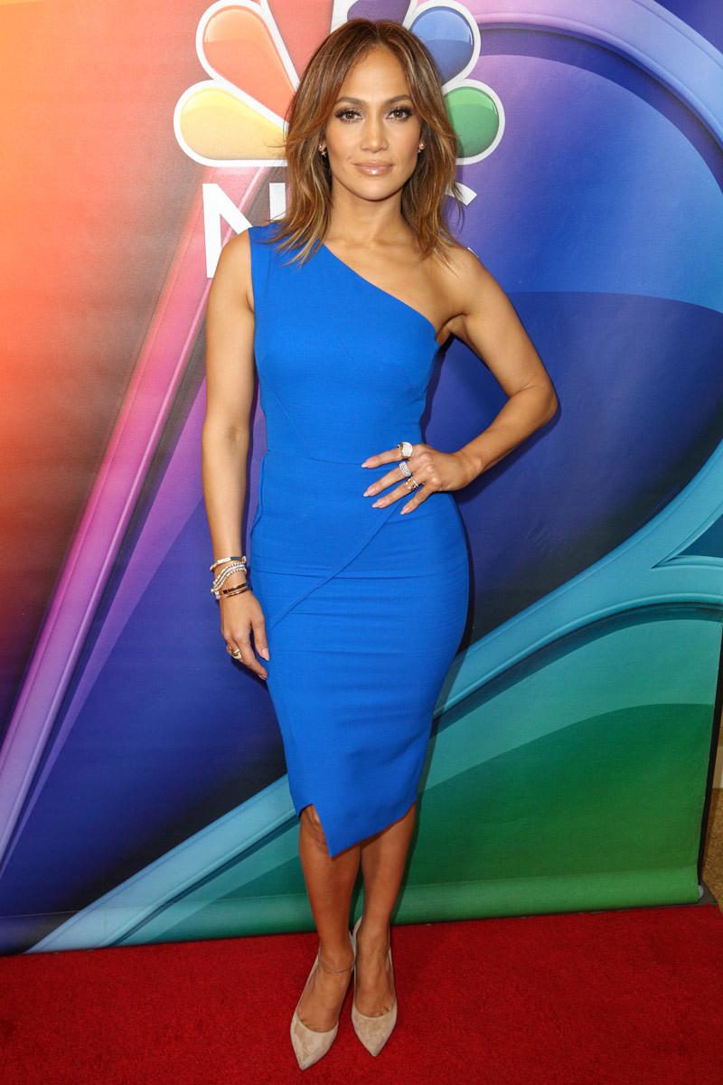 Jennifer Lopez presume de una figura espectacular a sus 47 años y...