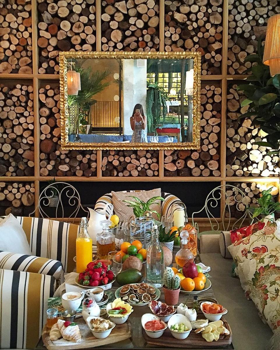 Laura Ponts en el restaurante Habanera (Colón, 28. Madrid).