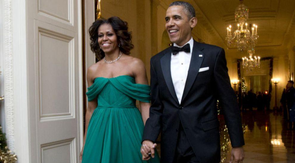 Una de sus apariciones más aplaudidas, con vestido esmeralda de...