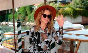 Así de espectacular ha llegado a Venecia, con diseño de Thakoon,...