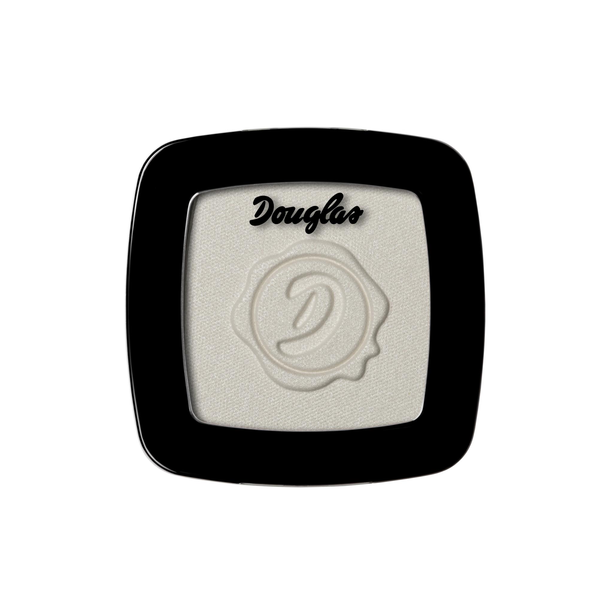 Sombra de ojos color blanco de Douglas (9,90 euros).