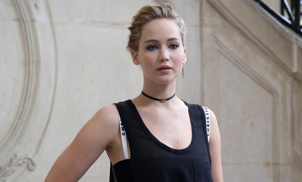 Jennifer Lawrence en el desfile de Christian Dior durante la Semana de...