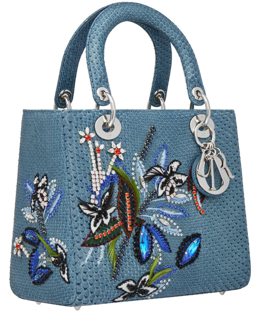 Nuevo Lady Dior con bordados florales.