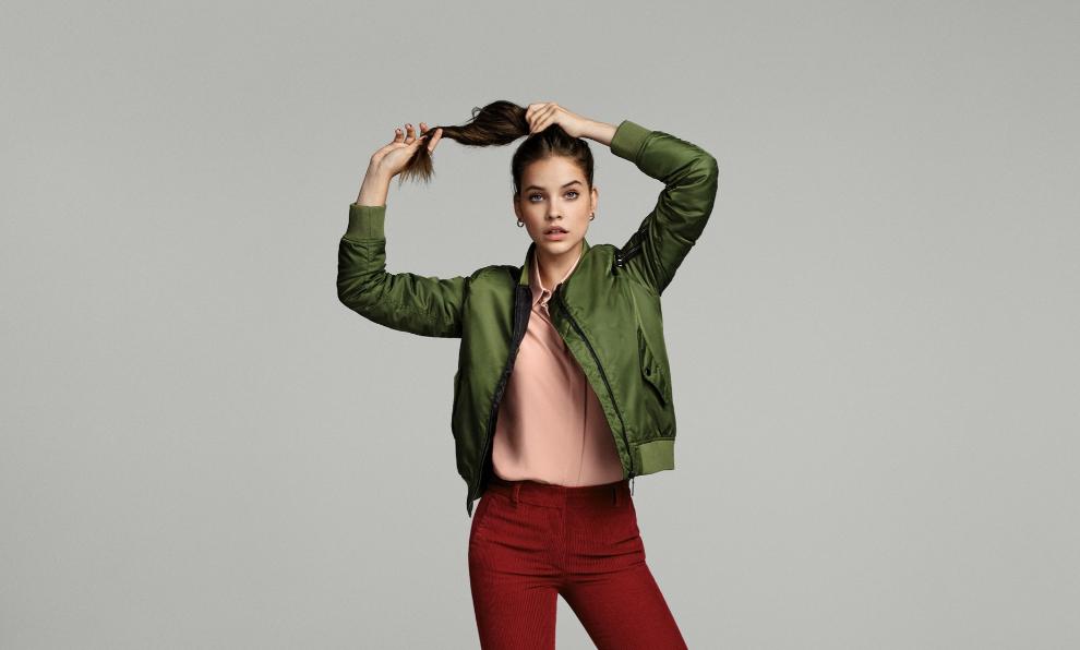 La modelo Barbara Palvin para la nueva campaña de Amazon Moda...