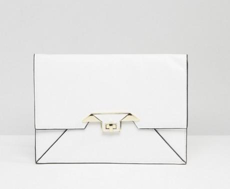 Clutch blanco. De Asos, 17,99 euros.