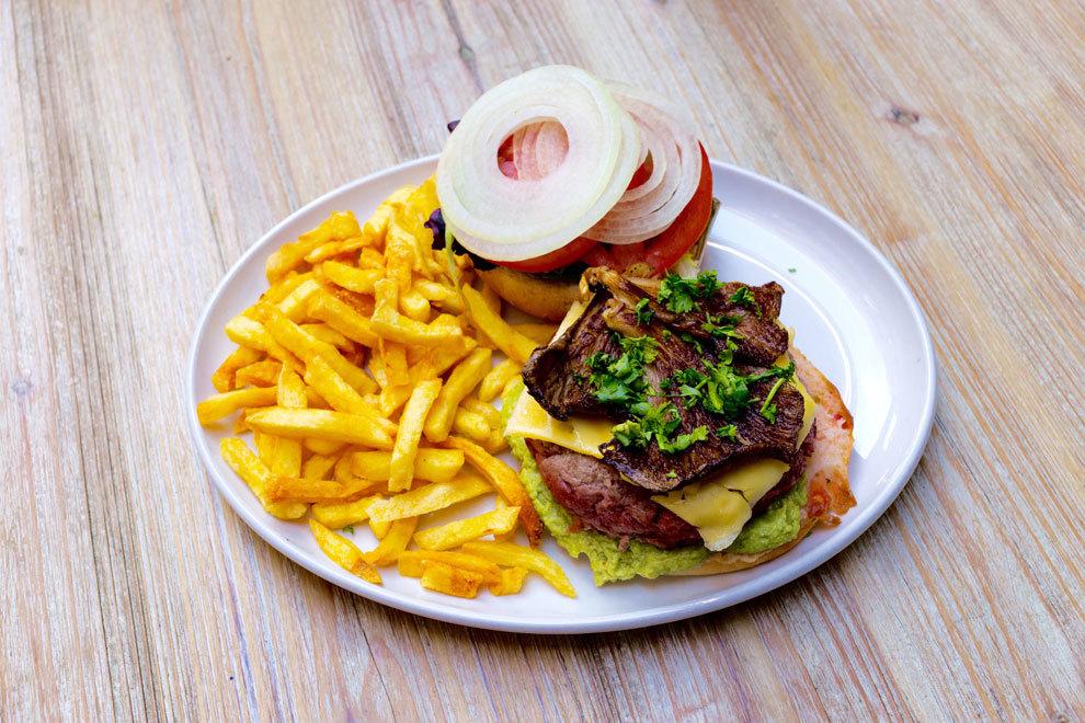 La apetecible Hamburguesa Lady Grantham's: ternera 100% ecológica con...