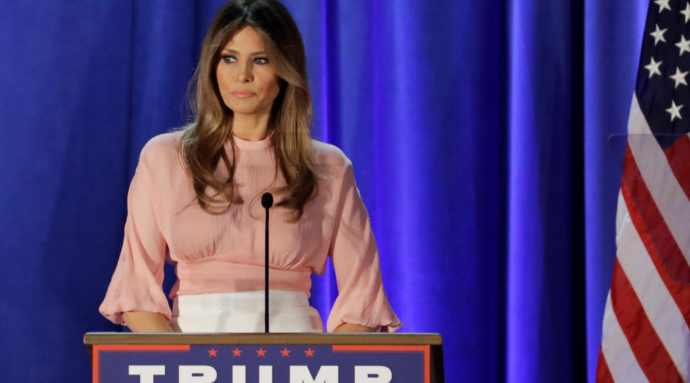 Melania Trump pronunciando un discurso durante la campaña.