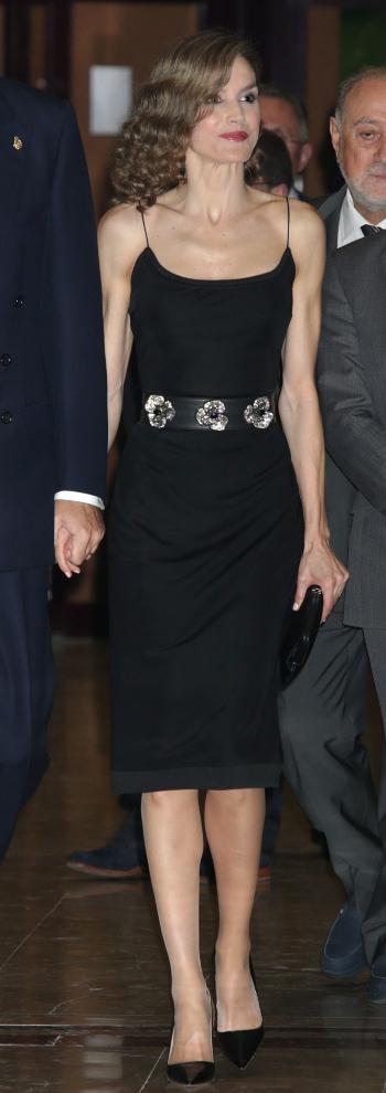 Letizia con un vestido de tirantes de Felipe Varela.