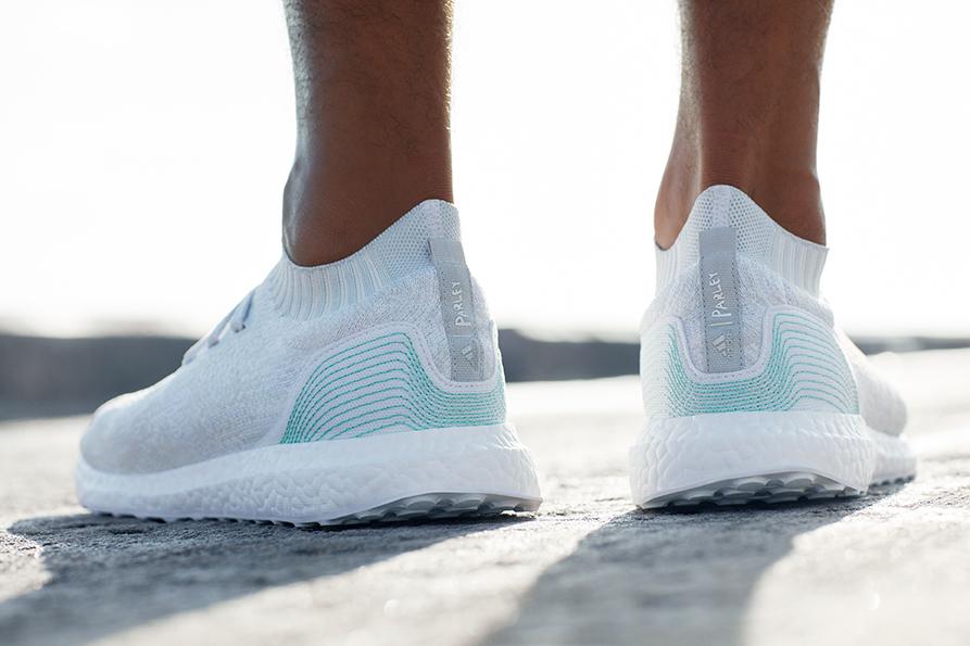 Zapatillas UltraBoost Uncaged Parley de Adidas.