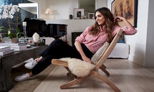 La actriz, Jessica Alba, selecciona sus prendas favoritas para ti.