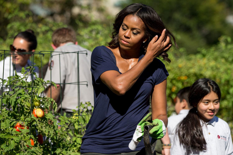 Michelle Obama en su huerto de la Casa Blanca.