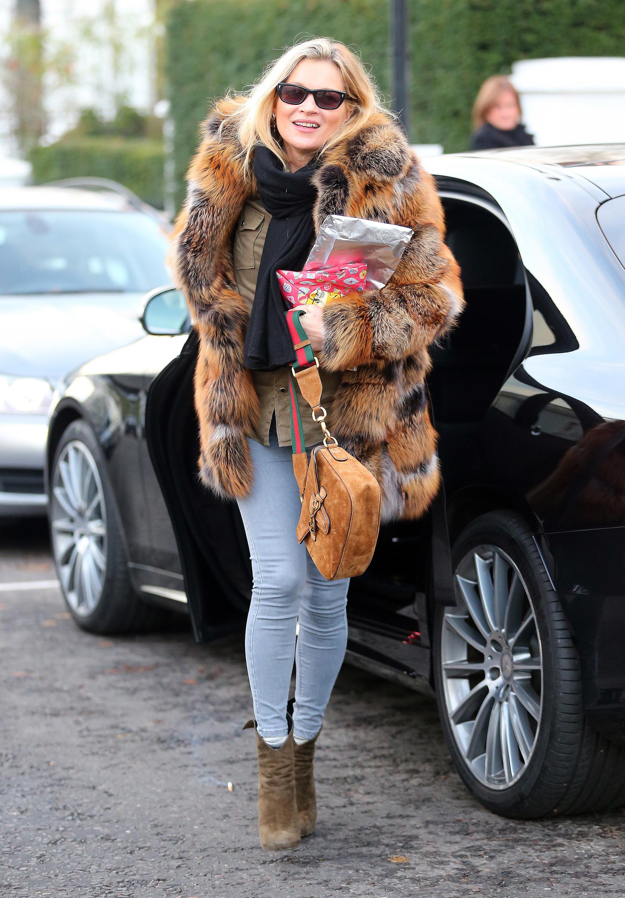 Kate Moss paseando por las calles de Londres.