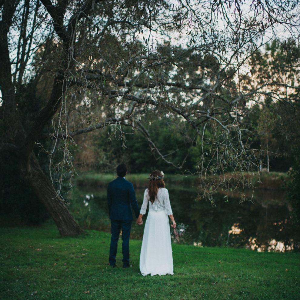 Ana y Nacho se casaron en una romántica boda en el verde entorno del...