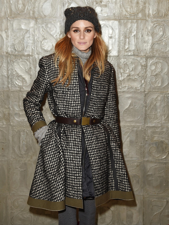Olivia Palermo nos da una lección de estilo al combinar un chaleco de...