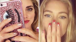Chiara Ferragni y Doutzen Kroes con dos versiones de manicura glitter...