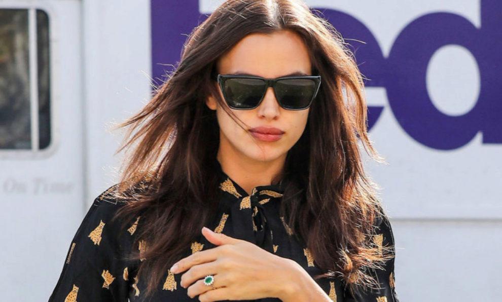Irina Shayk con su anillo de compromiso.
