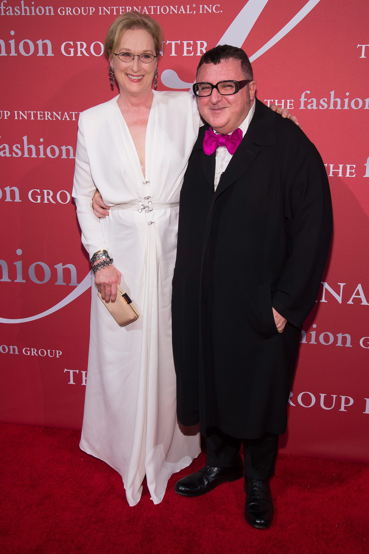 Alber Elbaz, junto a la actriz Meryl Streep.